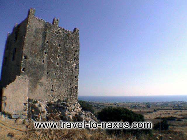 OSKELOU TOWER - On the way to Tripodes village and to the beach of Plaka, is found the Paleopyrgos of Plaka.