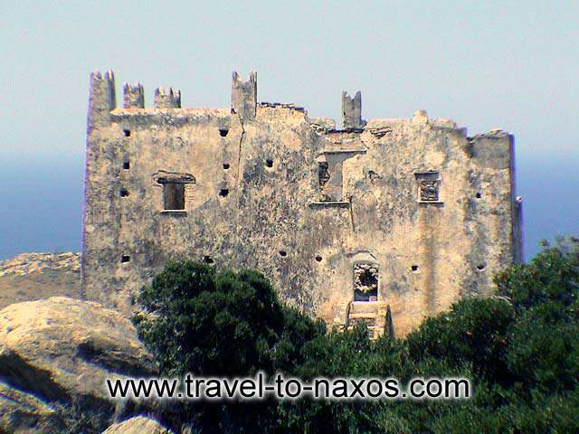 AGIAS TOWER - The years that passed left their marks in the side view of the imposing tower.