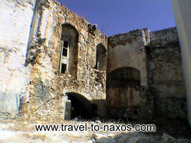 OLD BUILDING - A mediaeval architecture building in Apiranthos village.