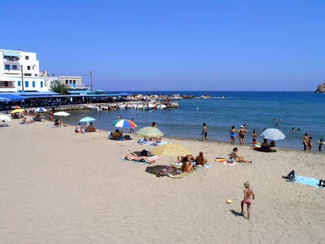 VIEW OF THE BEACH - View of the beach at Apollonas village