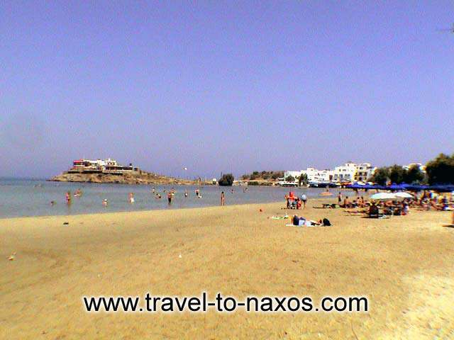 Agios Georgios beach lies exactly next to Naxos Chora.